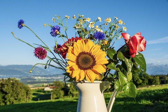 Bouquet Of Flowers Flowers Sunflower  - suju / Pixabay