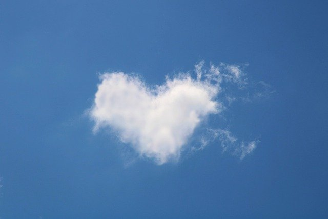 Cloud Heart Love Romance Romantic  - Kranich17 / Pixabay