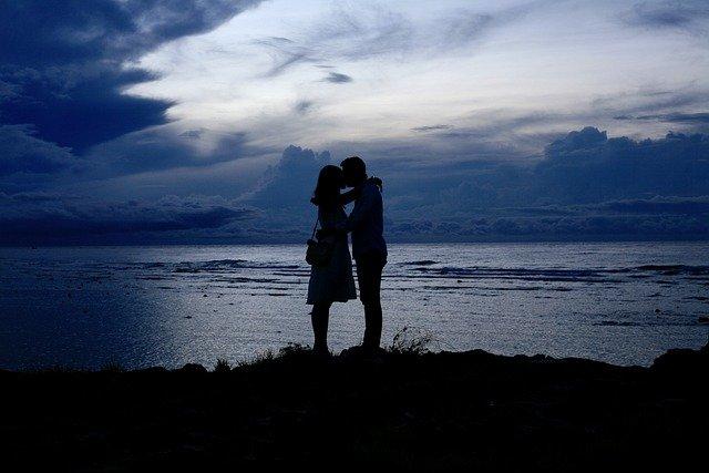 Couple Sunset Blue Blue Hour Beach  - Rudy1412 / Pixabay