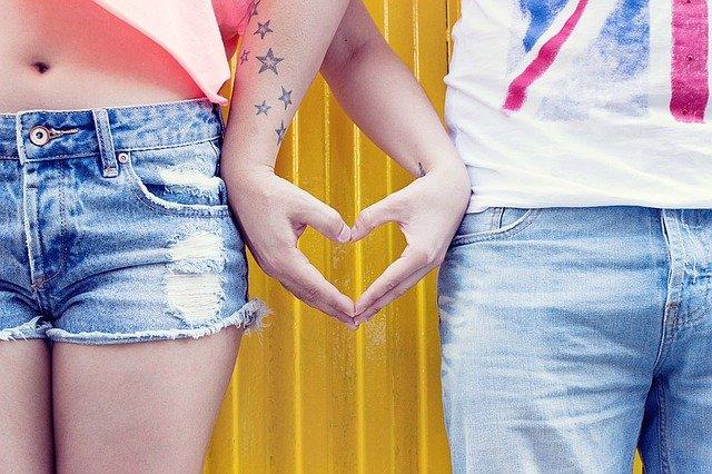 Hands Love People Heart Jeans  - Pexels / Pixabay