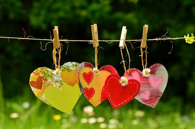 Heart Cord Suspended Love Together  - congerdesign / Pixabay