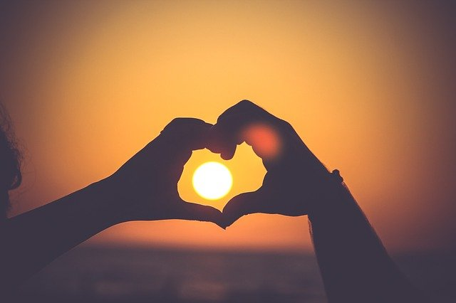 Heart Hands Silhouette Love Sunset  - Free-Photos / Pixabay