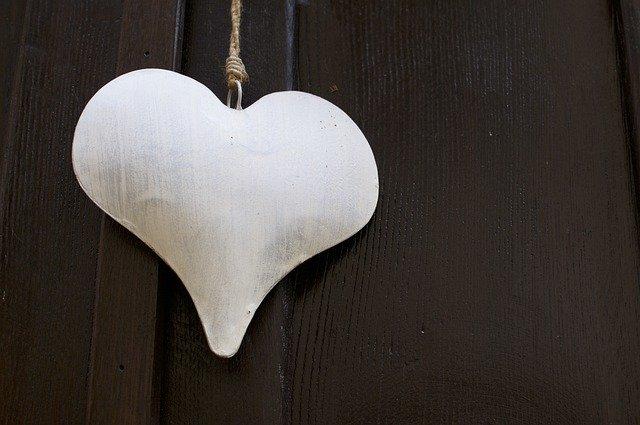 Heart Shape Ornament Metal  - MarlonTrottmann / Pixabay