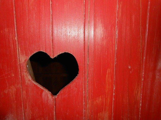 Heart Wood Red Love Romantic  - xavalox / Pixabay