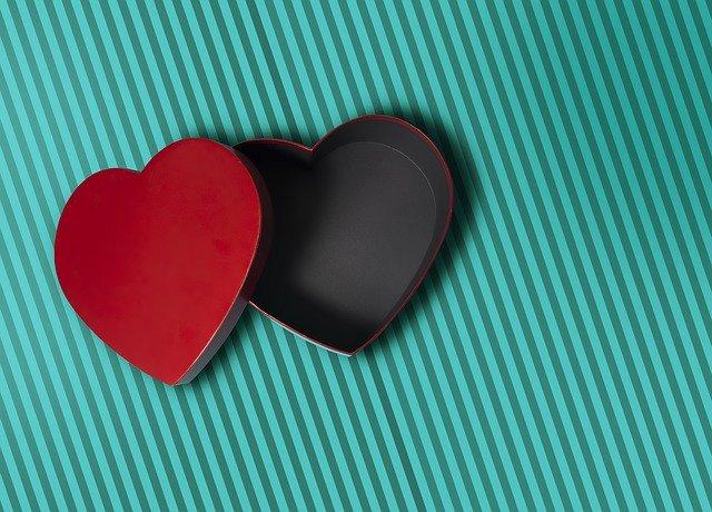 Love Box Heart Red Symbol  - Fotorech / Pixabay