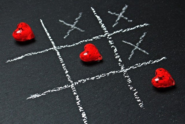 Tic Tac Toe Heart Game Chalk Love  - pixel2013 / Pixabay