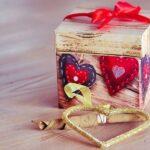 Valentine S Day Gift Love Give  - HVesna / Pixabay