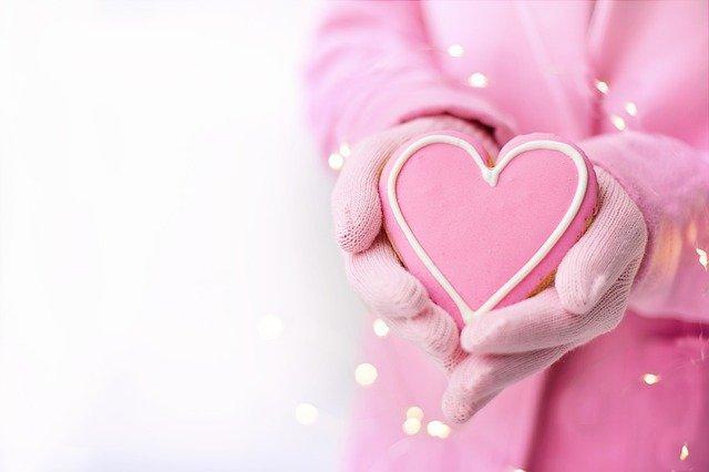 Valentine S Day Heart Cookie Pink  - JillWellington / Pixabay