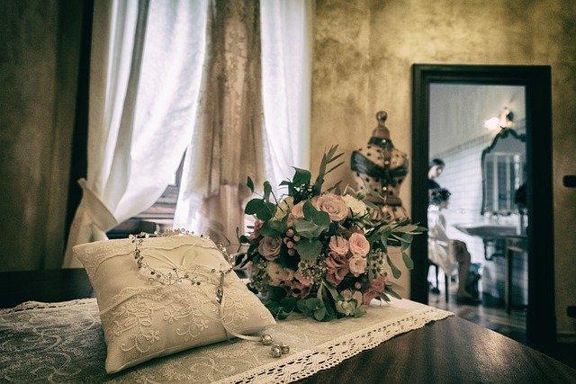 Wedding Details Marriage  - rosafiorenzo / Pixabay